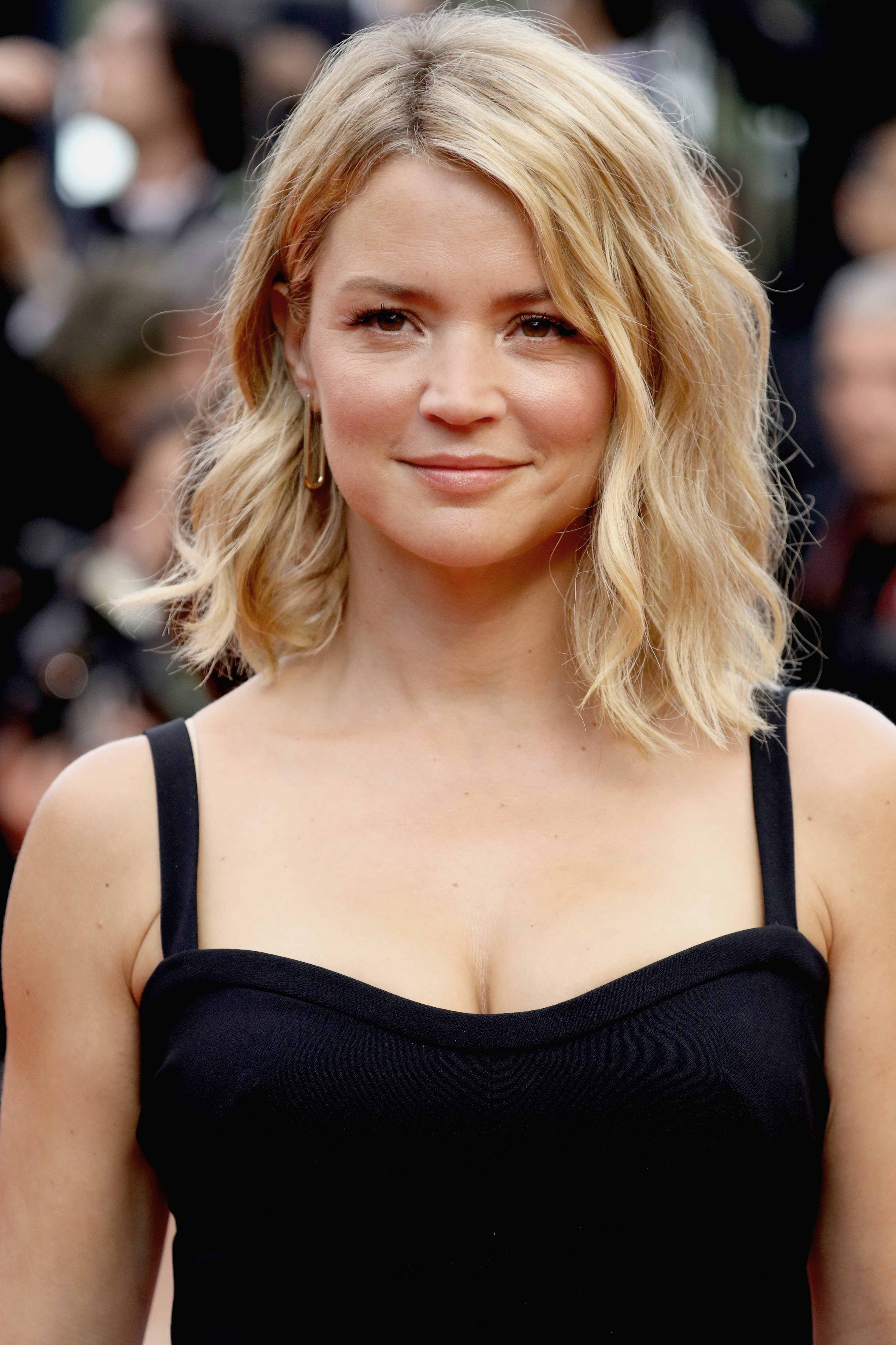 """CANNES, FRANCE - MAY 11: Virginie Efira attends the """"Cafe Society"""" premiere and the Opening Night Gala during the 69th annual Cannes Film Festival at the Palais des Festivals on May 11, 2016 in Cannes, France. (Photo by Andreas Rentz/Getty Images)"""