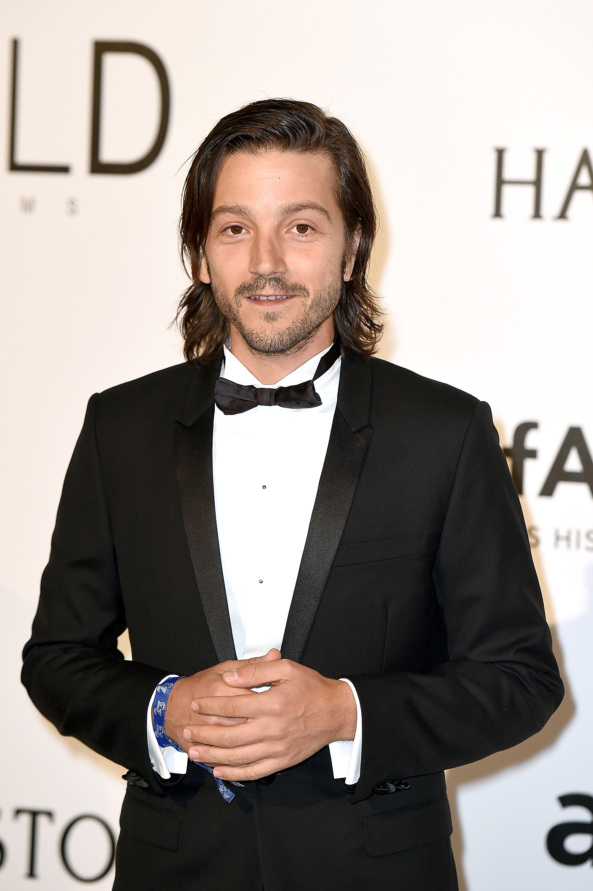 CAP D'ANTIBES, FRANCE - MAY 19: Diego Luna attends the amfAR's 23rd Cinema Against AIDS Gala at the annual 69th Cannes Film Festival at Hotel du Cap-Eden-Roc on May 19, 2016 in Cap d'Antibes, France. (Photo by Stephane Cardinale - Corbis/Corbis via Getty Images)