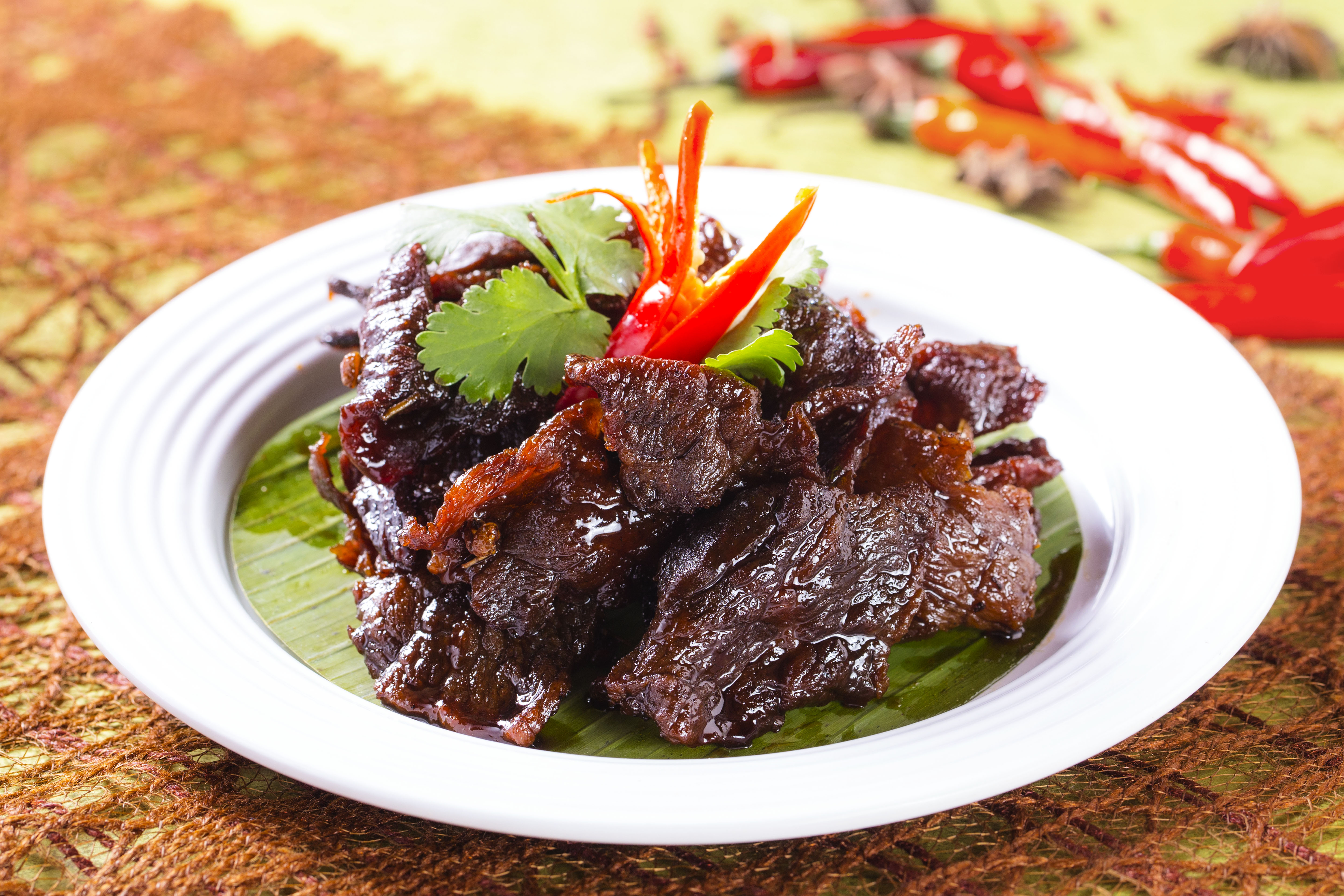 Stir-fried Beef Fillet with Dried Citrus Peel in Sweet and Spicy Sauce